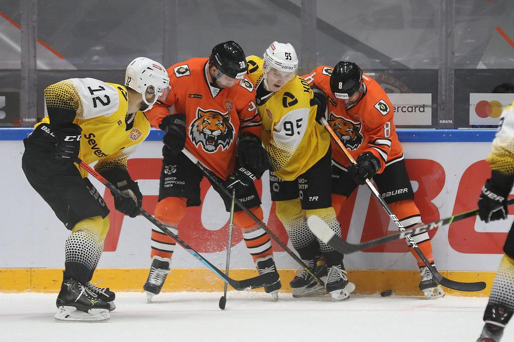 Первая победа «Амура» в сезоне КХЛ 2021/2022