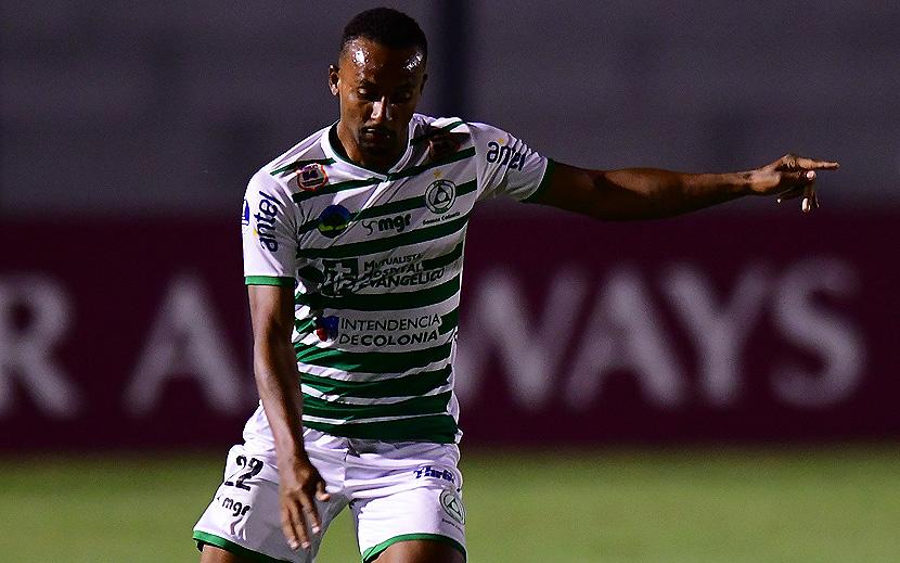 Диого Оливейра, единственный бразильский легионер, забивший больше одного мяча в уругвайской Премьер-лиге текущего сезона, выступает за «Пласу Колонию»