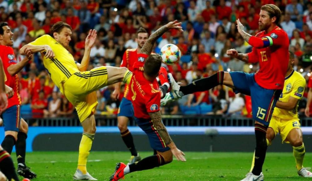 У Испании высокие шансы на проход в плей-офф турнира