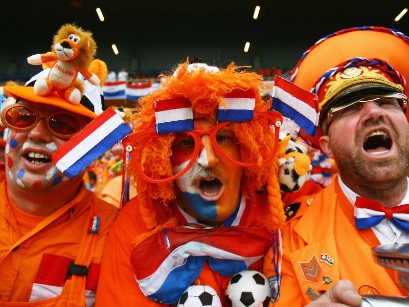 фанаты сборной Голландии