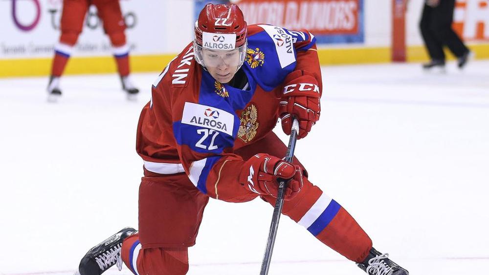 Клуб НХЛ Сан-Хосе Шаркс поместил 23-летнего нападающего Даниила Юртайкина на драфт отказов
